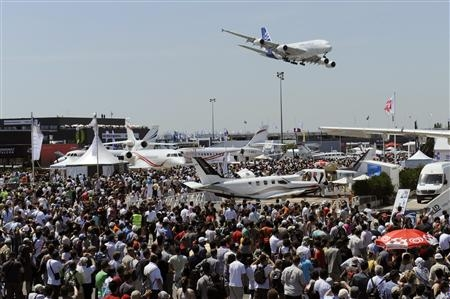 Le c t obscur du bourget cgt dassault aviation - Salon aviation bourget ...